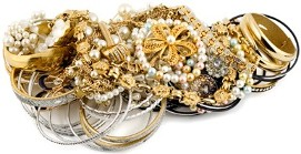 We are gold buyers in Boston. Sell gold jewelry here.